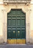 Green vintage door — Stock Photo