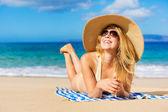 Beautiful Woman Relaxing on Tropical Beach — Stock Photo