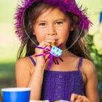 Girl Earting Cake — Stock Photo #31190609