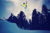 Aşırı kayakçı — Stok fotoğraf
