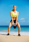 Woman Doing Kettle Bell Workout — Stock Photo