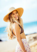 Fashion lifestyle, Portrait of beautiful blond girl — Stock Photo