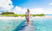 Woman Relaxing Tropical Island — Stockfoto