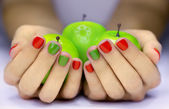 Apples in hands — 图库照片