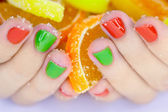 Candys in hands — 图库照片