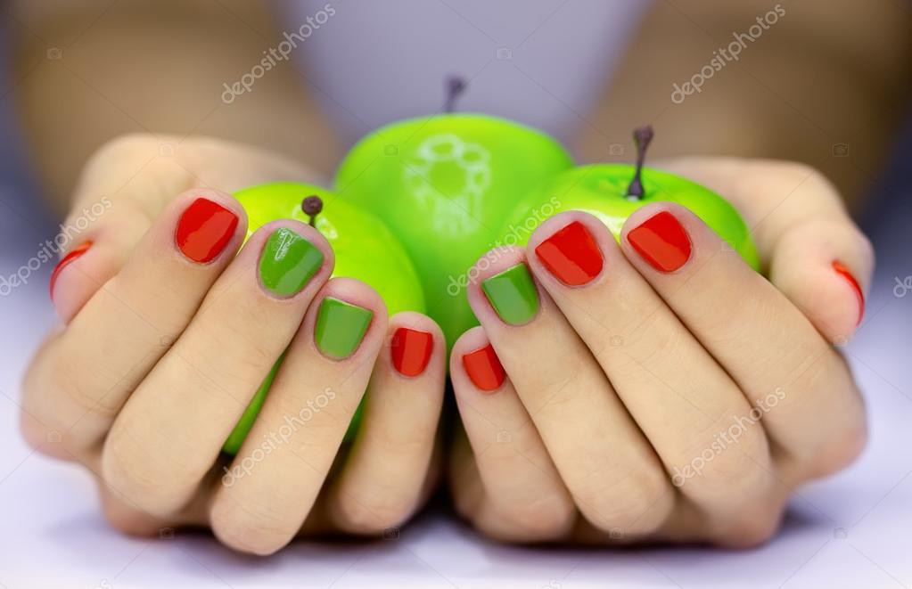 Фото акций по ногтям
