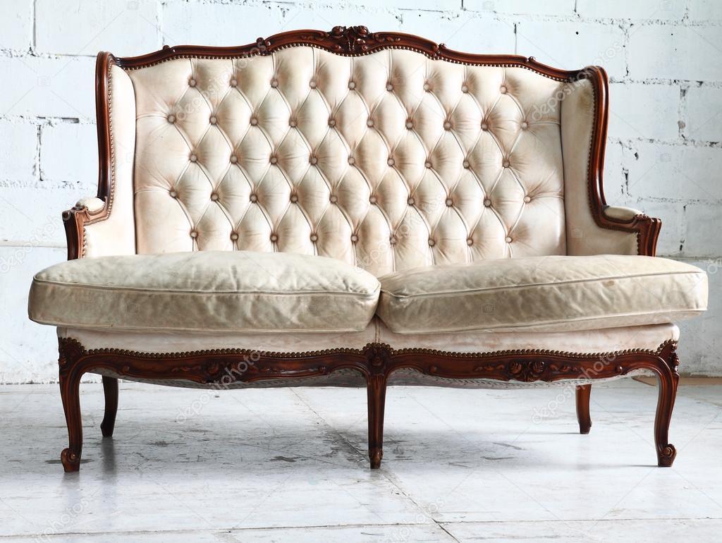 Vintage soffa pÃ¥ rummet — stockfotografi © joesive47 #36032587