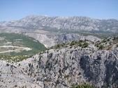 Mountains in Omiš, croatia near the coast — Stockfoto