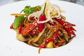 Rice spaghetti with vegetables — Stock Photo