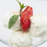 Fruit with ice cream — Stock Photo #14062454
