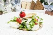 Salad with eggs and vegetables — Foto Stock