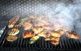 Asas de frango na grelha — Foto Stock