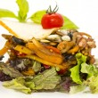 Salad with vegetables and meat — Stockfoto