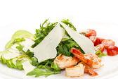 Salade met garnalen en rucola — Stockfoto
