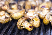 Cooking mushrooms on the grill — Stock Photo