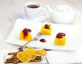 Pineapple dessert and tea — Stock Photo