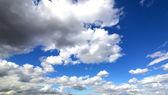 летнее небо. — Стоковое фото