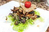 Warm salad of vegetables and meat — Stok fotoğraf