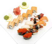 Sushi with seafood and vegetables — Stock Photo