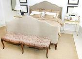 белая спальня — Стоковое фото
