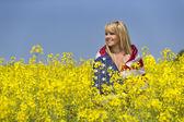 Model In Field Of Flowers — Foto Stock