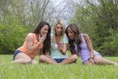 3 Girls Enjoying The Park — Stock Photo