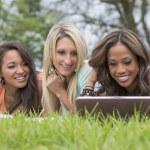 3 Girls Enjoying The Park — Stock Photo #26183059