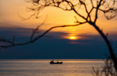 Ship, sea, sunset. — Foto Stock