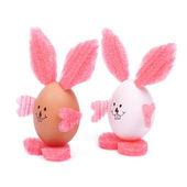 コテージ巣箱dvě krásné velikonoční zajíček izolovaných na bílém pozadí. — Stock fotografie