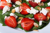 Delicious salad of fresh strawberries, spinach, goat cheese — Stock Photo
