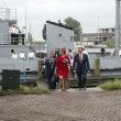 Постер, плакат: King Willem Alexander and Queen maxima leaving the minesweeper i