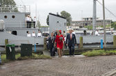 King Willem Alexander and Queen maxima leaving the minesweeper i — Stock Photo