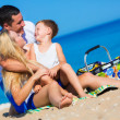 Familie am Strand — Stockfoto