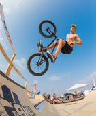 BMX Rider on ramp — Stock Photo