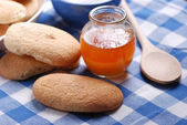 Typical Sicilian biscuits with honey — Stock Photo