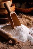 Wheat flour on the table — ストック写真