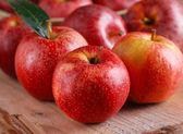 赤いリンゴの山 — ストック写真