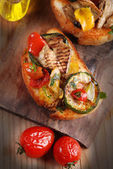 Italian bruschetta with grilled vegetables — Stock Photo