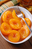 Homemade peaches in syrup — Stock Photo