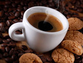 Italian espresso coffee and amaretti — Foto Stock