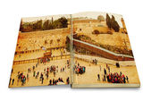An opened old book with a picture Western Wall,Temple Mount, Jerusalem.Photo in old color image style. — Stock Photo
