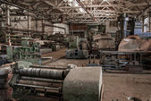 Color old and abandoned factory building interior. — 图库照片