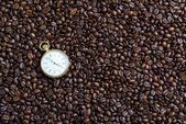 Watches and coffee beans — Foto Stock