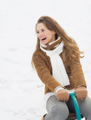 Happy young woman having fun in winter outdoors — Foto Stock
