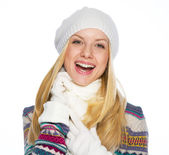Portrait of smiling young woman in winter clothes — Stock Photo