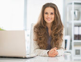 Happy business woman in office — Foto de Stock