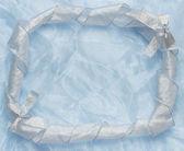 Boże narodzenie tle niebieski ornament i wstążki zwinięte — Zdjęcie stockowe