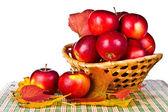 Red apples in wicker basket — Foto de Stock