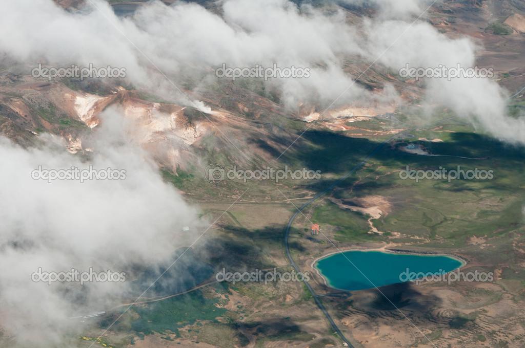 冰岛多大面积多少人