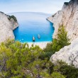 Famous Navagio beach, Zakynthos, Greece, from unusual perspective — Foto Stock
